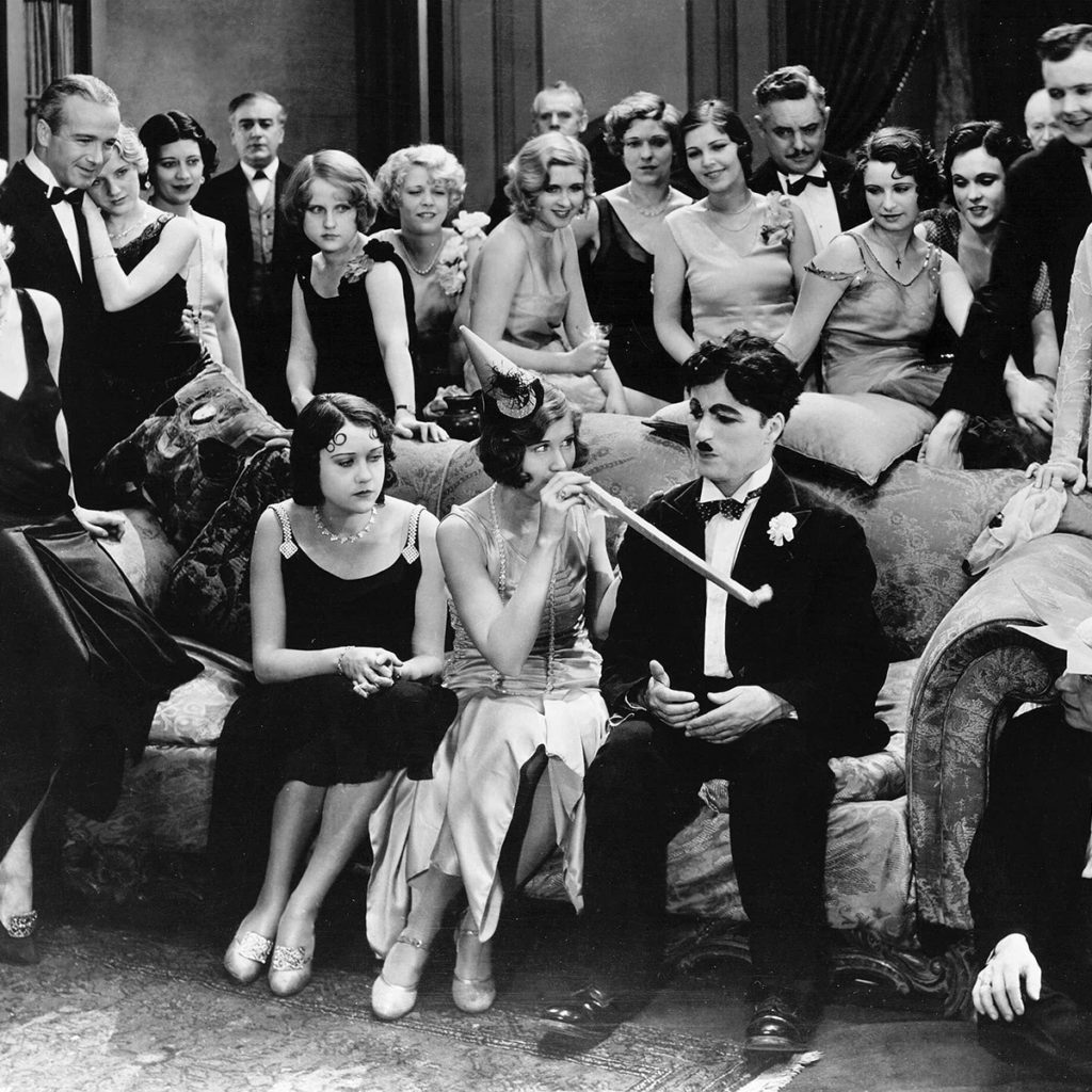 Editorial use only. No book cover usage. Mandatory Credit: Photo by United Artists/Kobal/Shutterstock (5882393l) Charlie Chaplin City Lights - 1931 Director: Charlie Chaplin United Artists USA Scene Still Silent Les Lumières de la ville