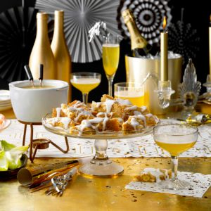 Host a 'Great Gatsby' Bash on New Year's Eve