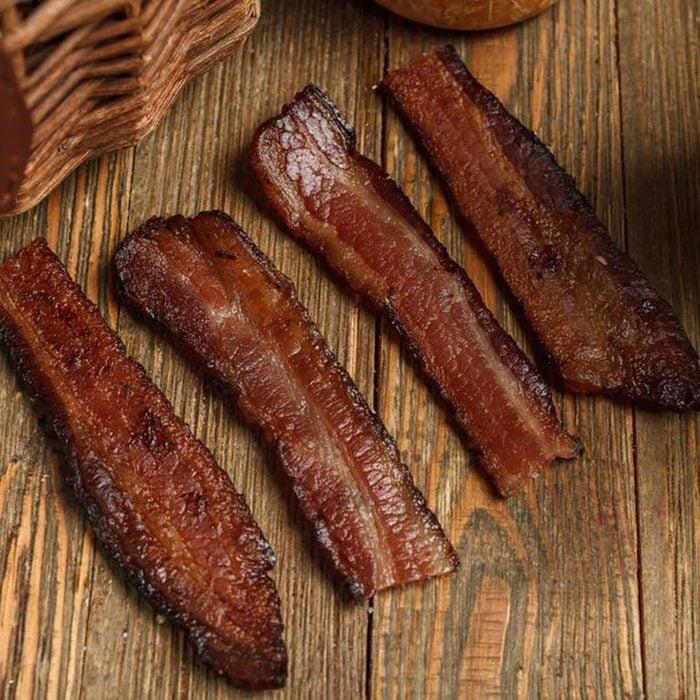 Avec Bacon Cafe bacon strips