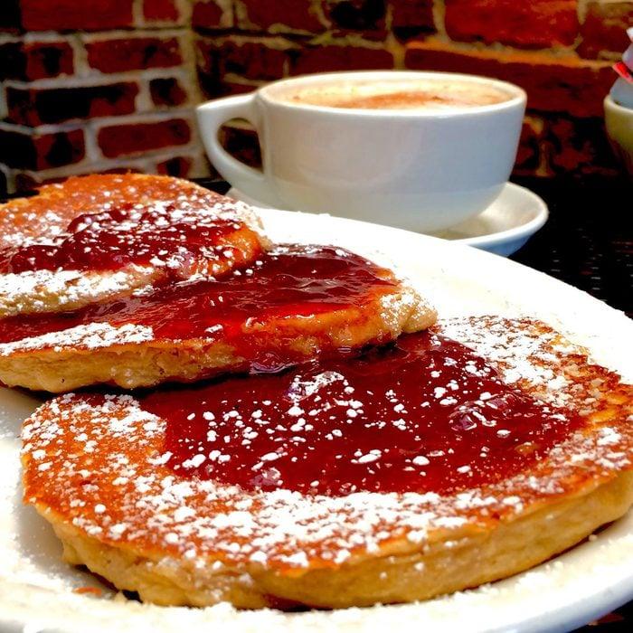 Toast on Market, Louisville pancakes