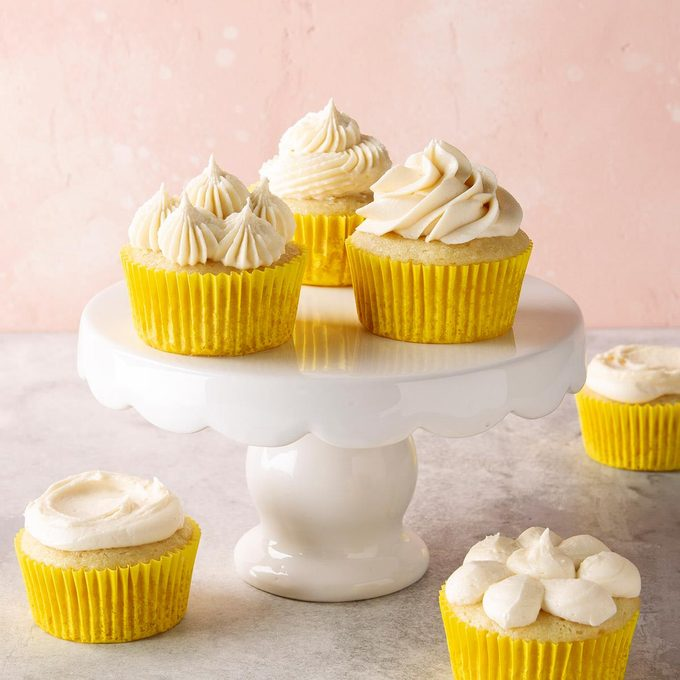 Vegan Vanilla Cupcakes Exps Ft19 247267 F 1206 1 2
