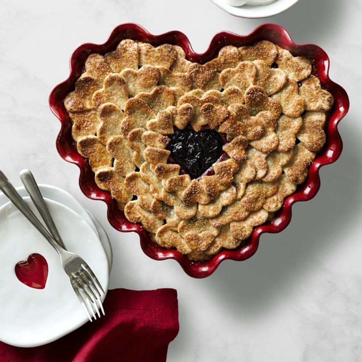 emile-henry-ruffled-heart-dish-o