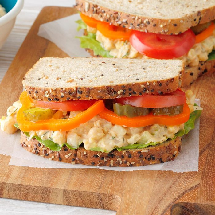 Dilly Chickpea Salad Sandwiches Exps Tohjj20 190103 B02 06 10b 15