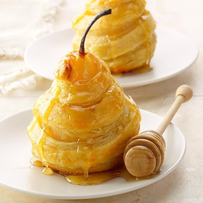 Honeyed Pears In Puff Pastry Exps Thso18 156278 B04 17 6b Basedon 1