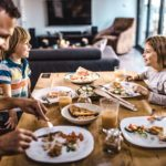 5 Reasons You Should Eat Dinner with Your Family, According to a Health Expert