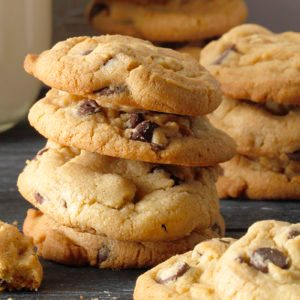 How to Make Easy Chocolate Chip Cookies