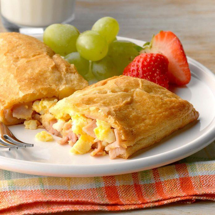 Air-Fryer Ham and Egg Pockets