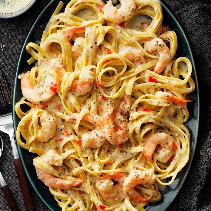 Spicy Shrimp Fettuccine Alfredo Exps Tohescodr20 162994 E03 12 3b 3