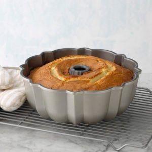 How to Choose the Best Bundt Pan