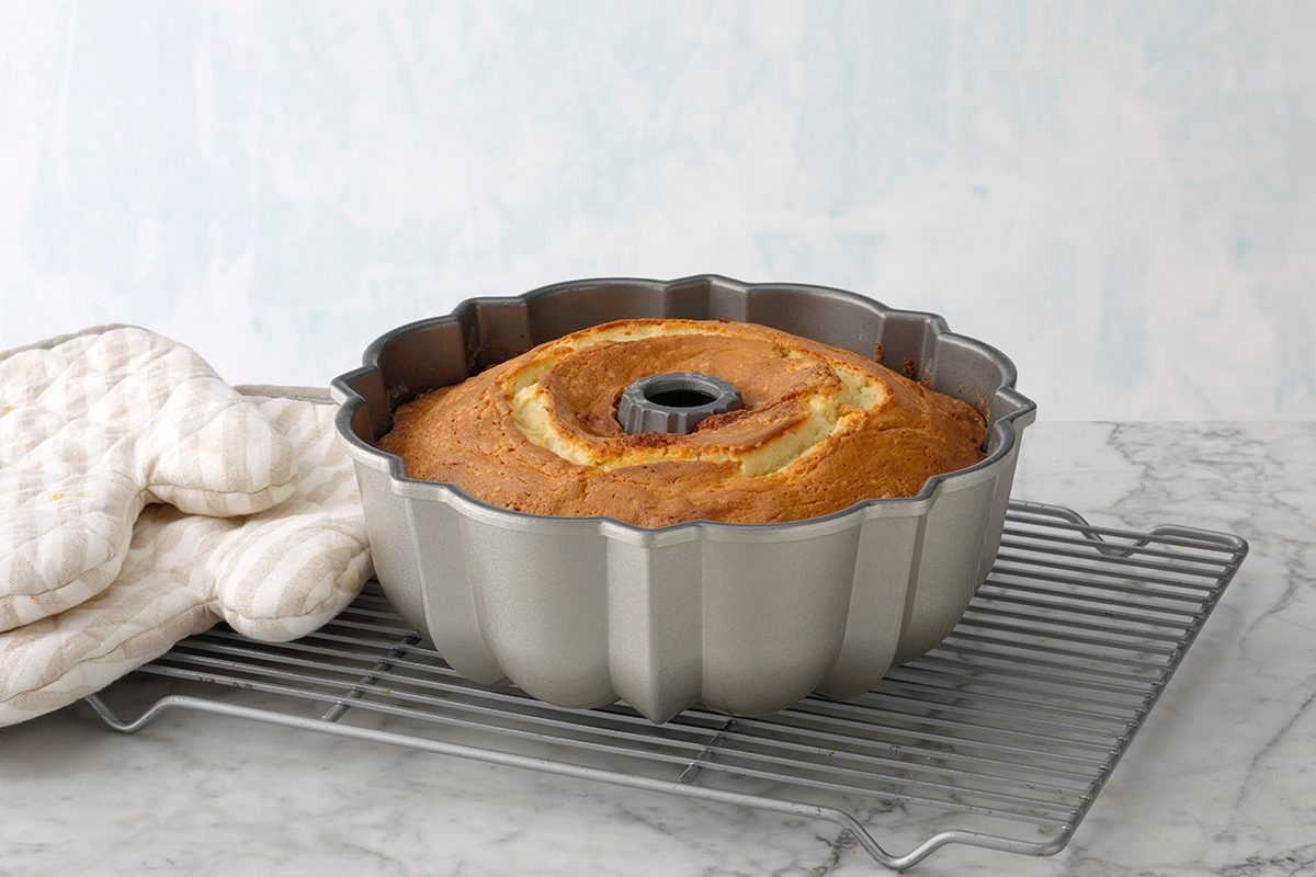 How to Choose the Perfect Bundt Pan For You