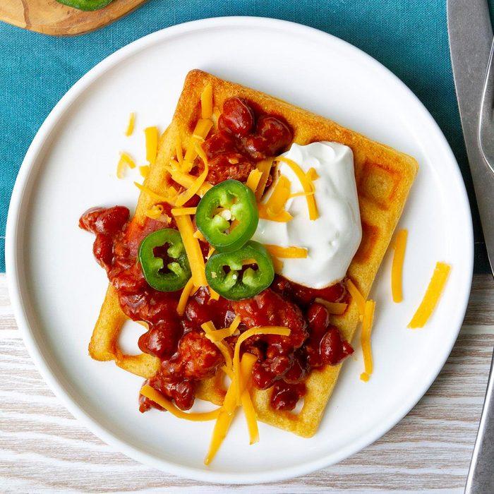 Chili Topped Cornbread Waffles Exps Tohas20 245297 F04 09 1b