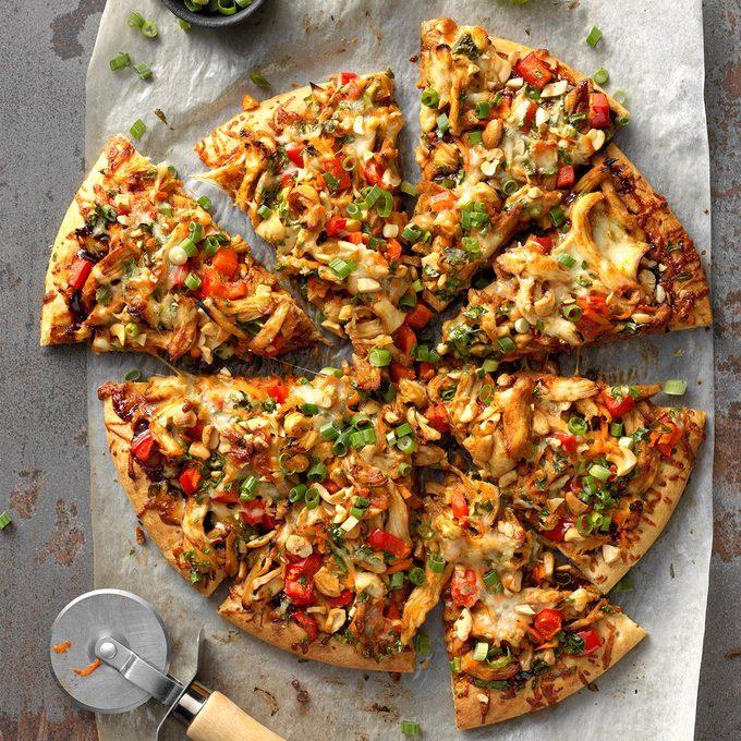 Chinese Cashew Chicken Pizza Exps Tohescodr20 245934 B03 17 1b 5