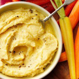 The Easy Hummus Recipe Every Snack Addict Will Love