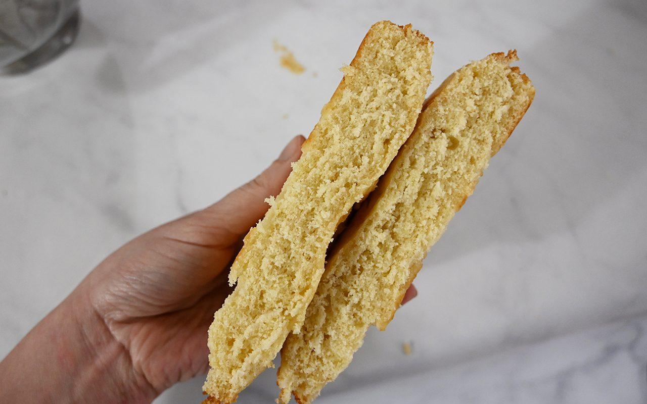 Holding plain flat cakes