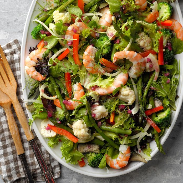 Green Salad with Shrimp and Wine Vinaigrette