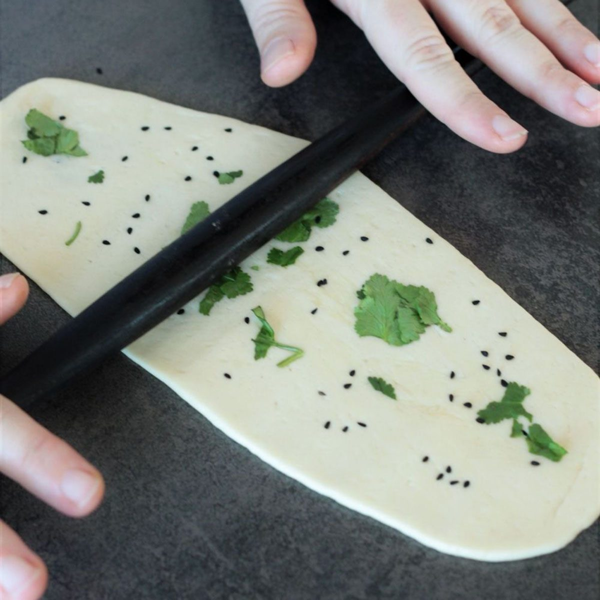 how to make naan rolling it out