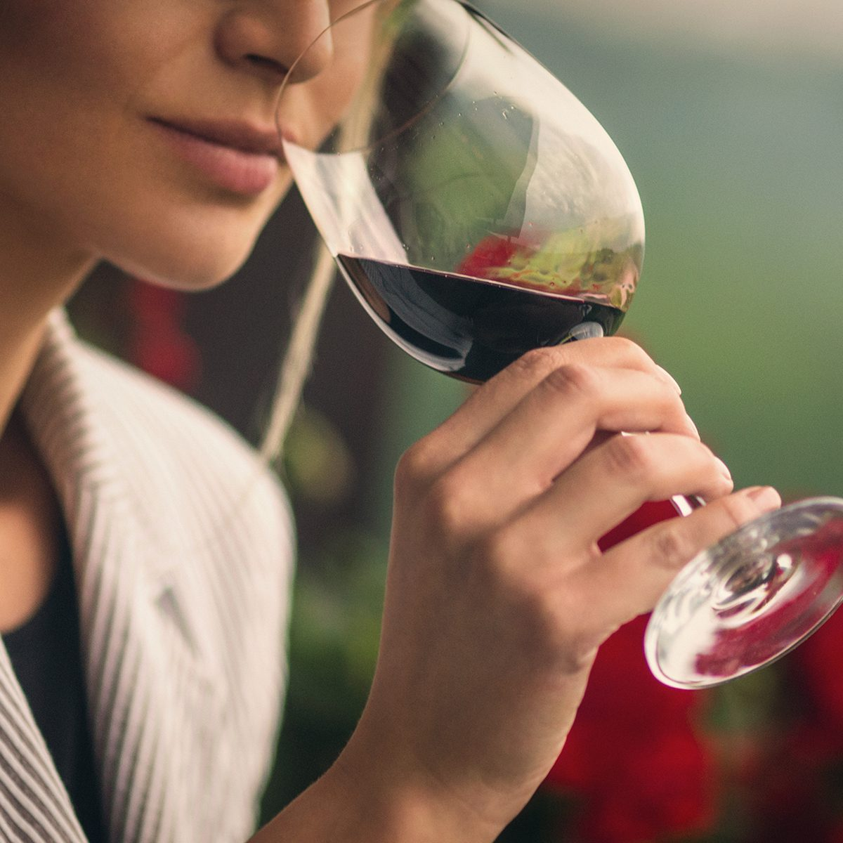 This Virtual Wine Tasting Brings A Wine Expert Straight To Your Home For Free
