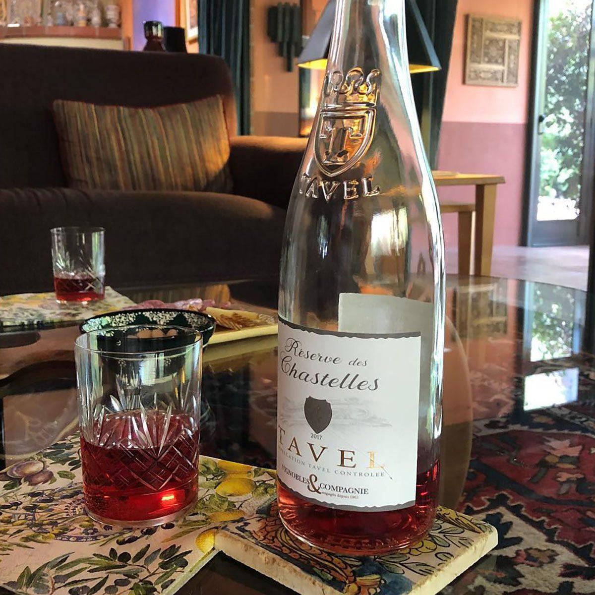 Reserve des Chastelles Rosé bottle and glasses