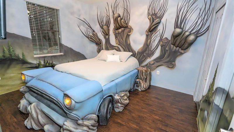 Harry Potter themed Air bnb car room