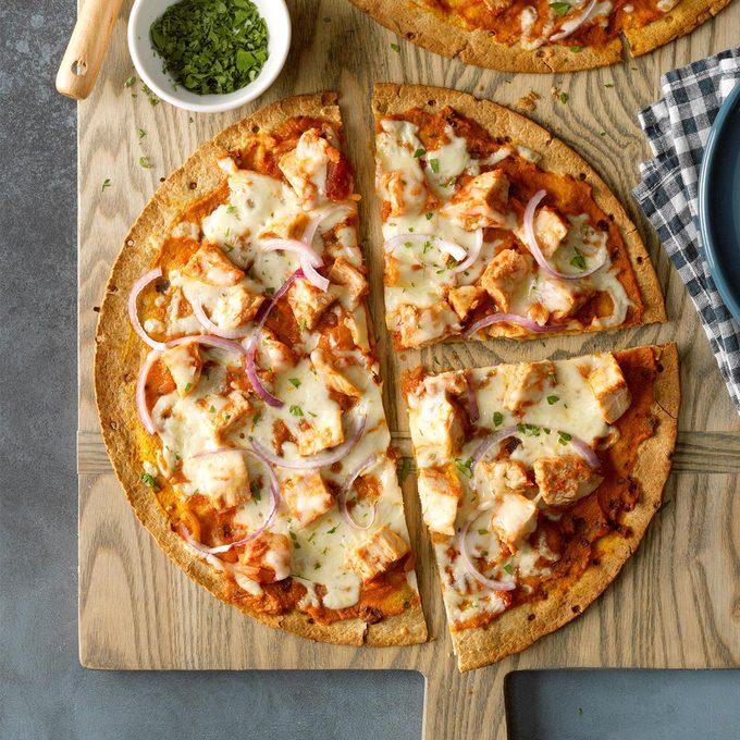 Healthy Chipotle Chicken Pumpkin Pizza  Exps Tohon20 246665 B06 04 5b 9