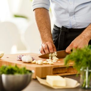 Here's How to Get the Garlic Smell Out of Your Cutting Board
