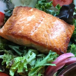 How to Make a Grilled Salmon Salad