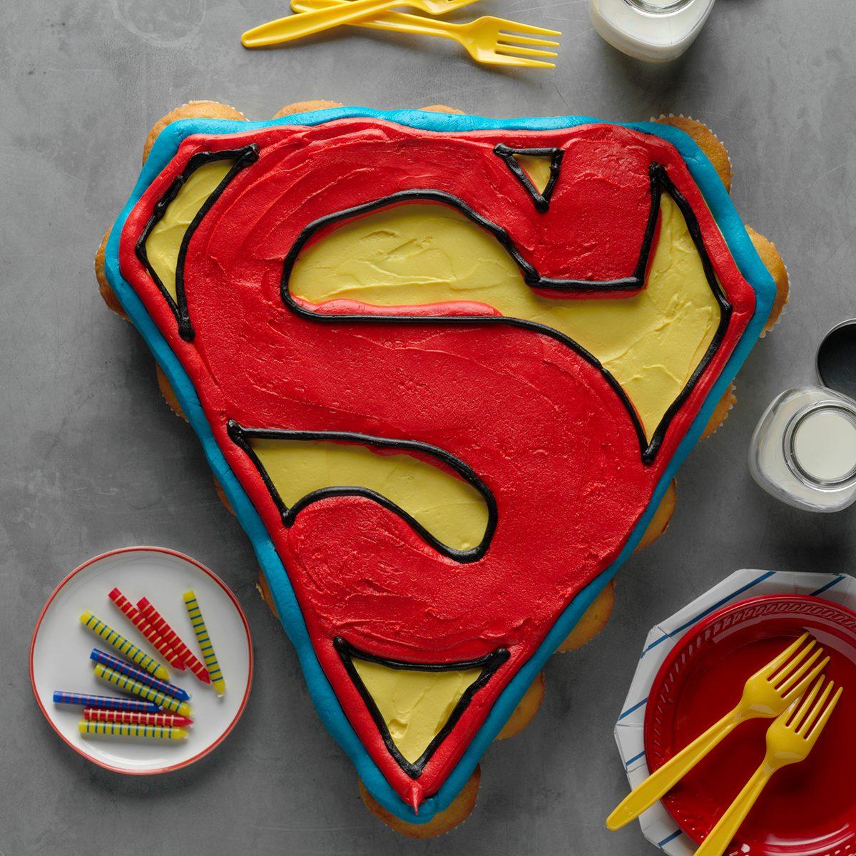256549 Superman Logo Cupcake Cake