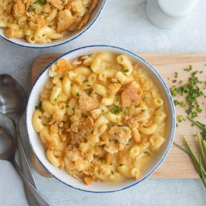 Multi-Cooker Cheddar Gruyere Macaroni and Cheese