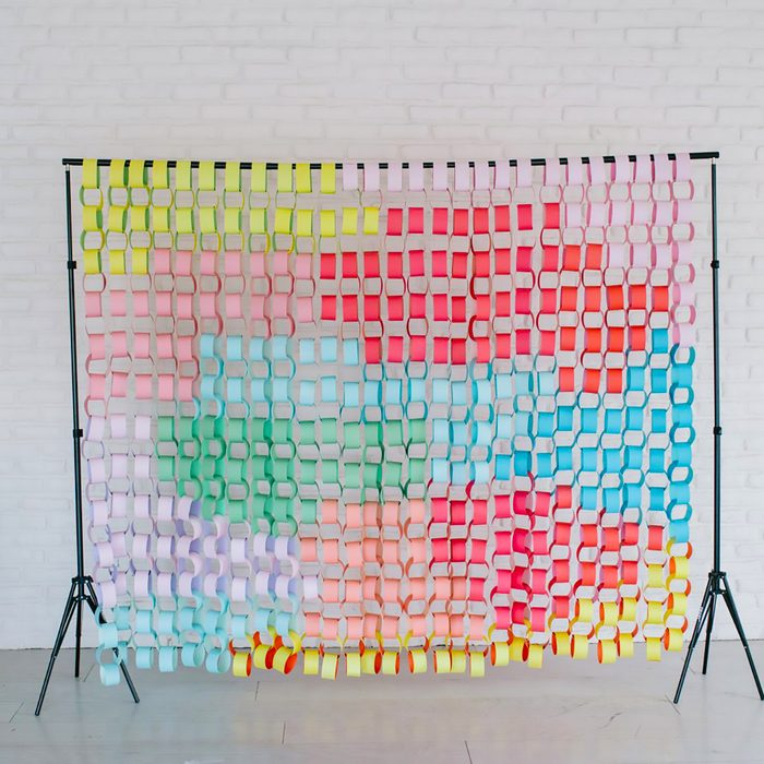 DIY Paper Chain Backdrop