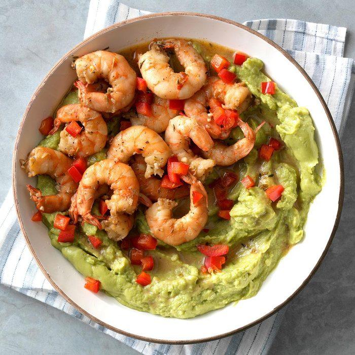 Cajun Shrimp And Red Pepper Guacamole Exps Tmbstk18 255165 Guacamole C10 29 4b 7