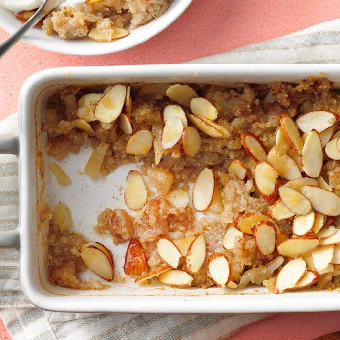 Quinoa-Pear Breakfast Bake