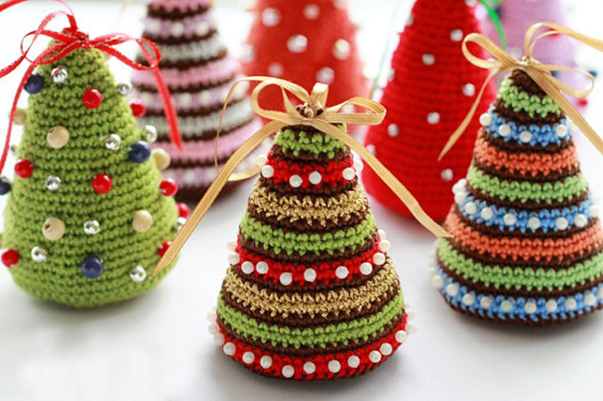 Use This Simple Pattern to Crochet a Christmas Tree ...