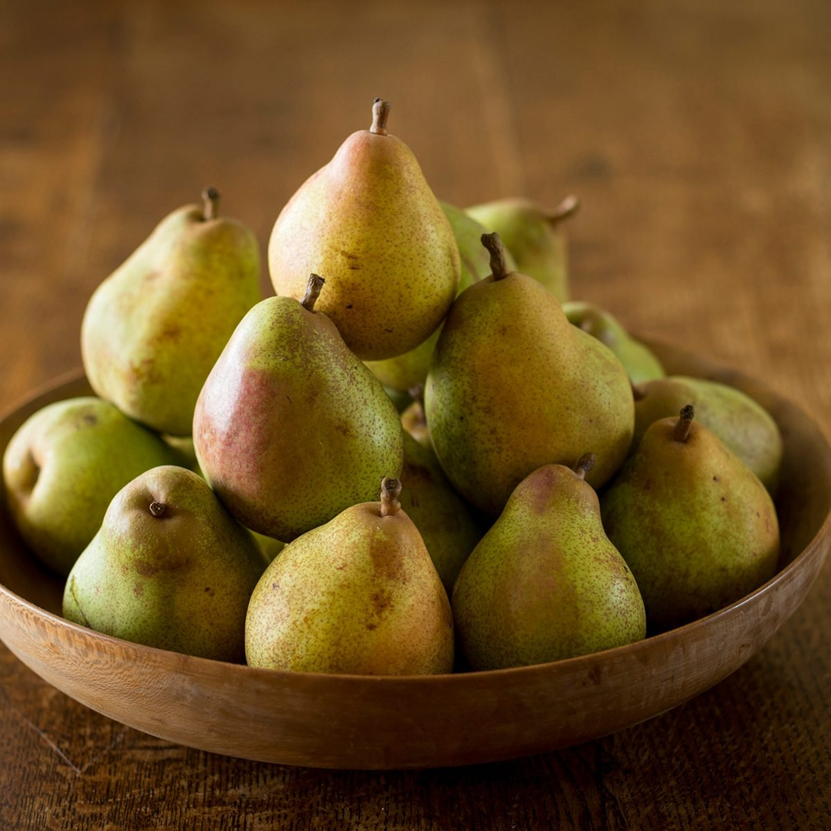 Comice pears in a bowl.