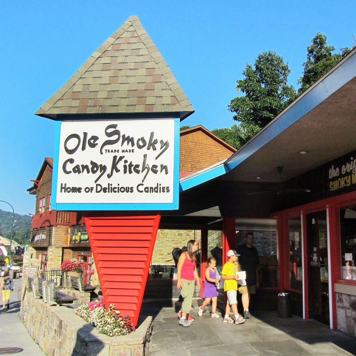 The Best Fudge Shop in Tennessee - Ole Smokey Candy Kitchen