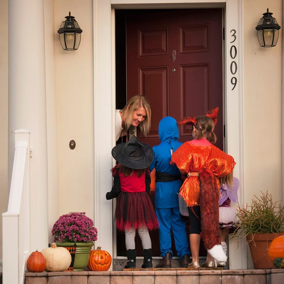 Children trick or treating uses for reusable bags