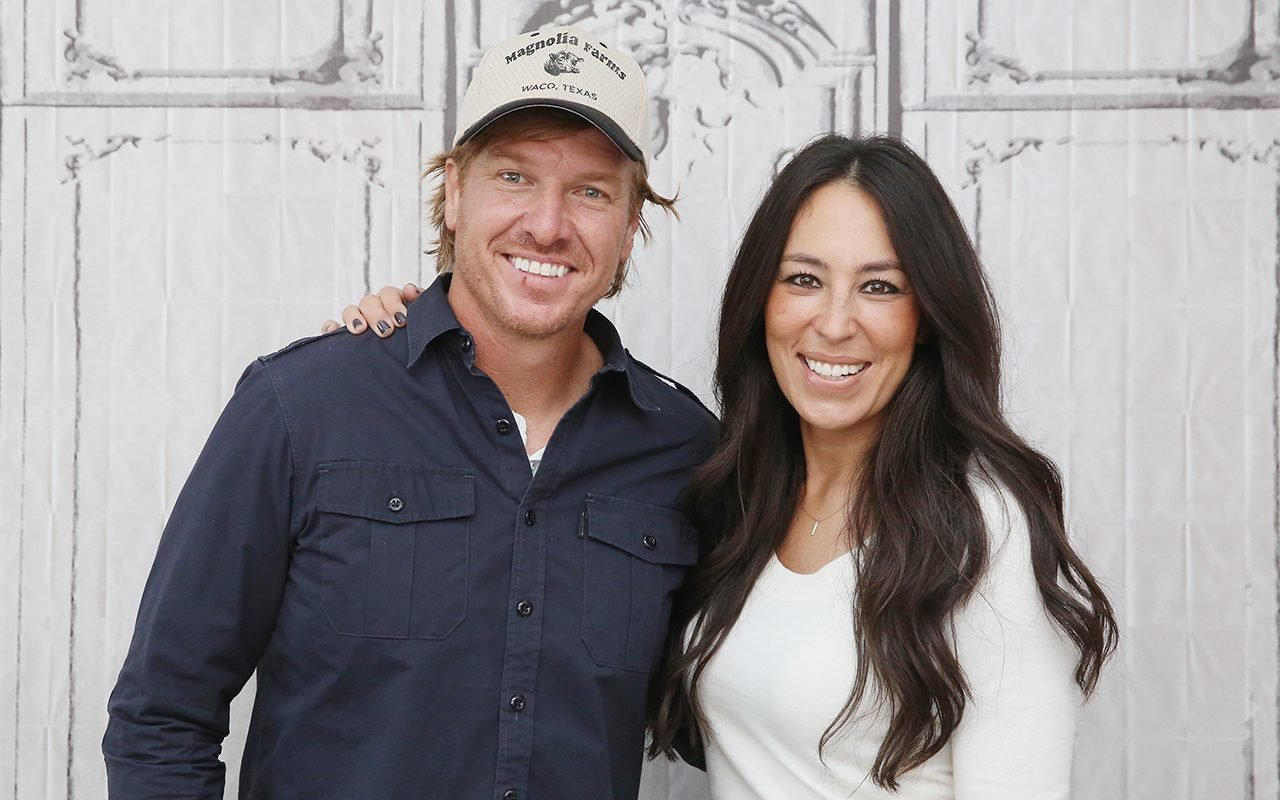 "NEW YORK, NY - OCTOBER 19: The Build Series presents Chip Gaines and Joanna Gaines to discuss their new book ""The Magnolia Story"" at AOL HQ on October 19, 2016 in New York City. (Photo by Mireya Acierto/FilmMagic)"