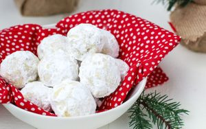 How to Make Snowball Cookies from Scratch