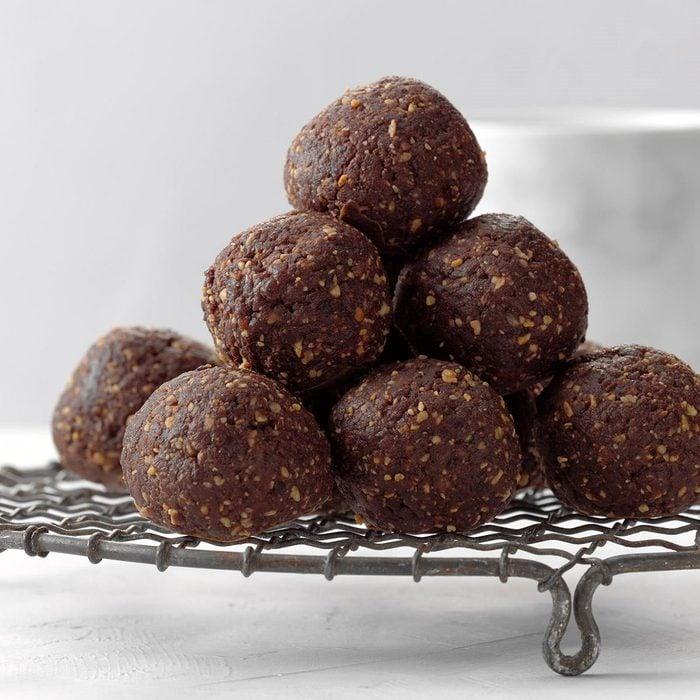 Chocolate Date Energy Balls Exps Rc20 255035 B09 09 1b 1