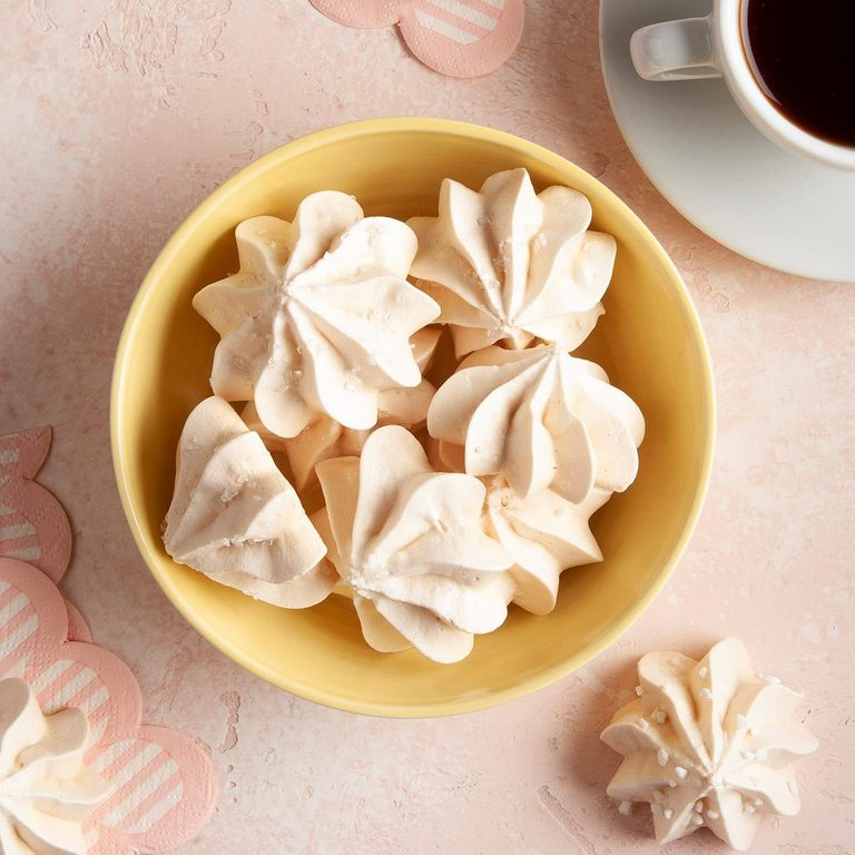 Festive Meringue Cookies Exps Ft20 138913 F 1119 1