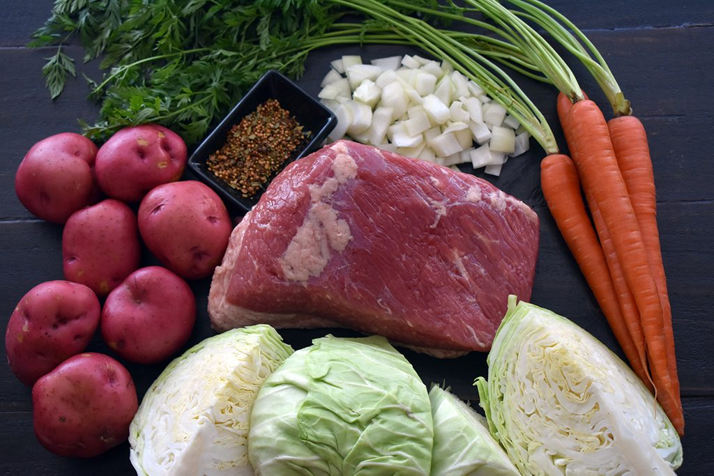 How to Make Baked Corned Beef in the Oven