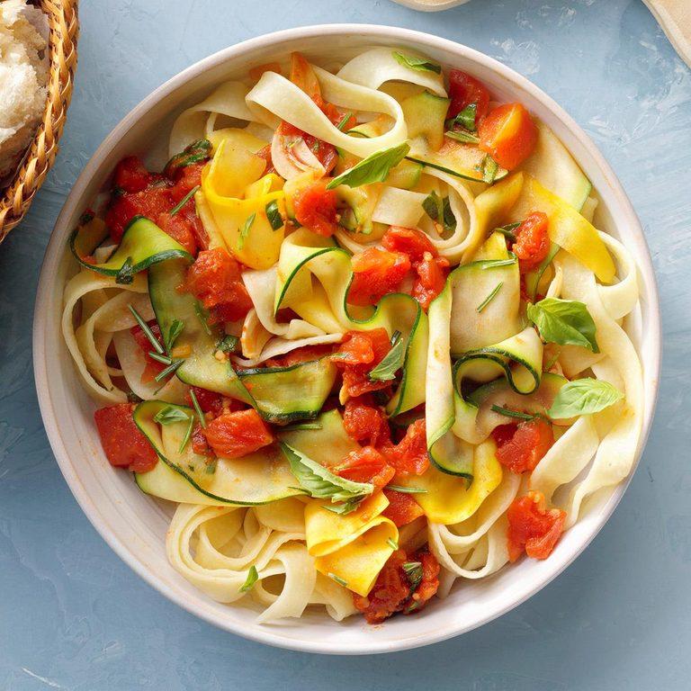 Summer Zucchini Pasta Exps Thjj21 259692 B02 11 10b 2