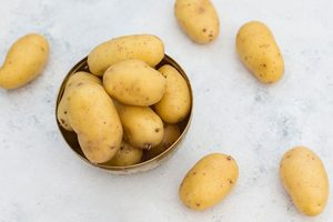 This Is the Little-Known Trick for Peeling Potatoes in SECONDS