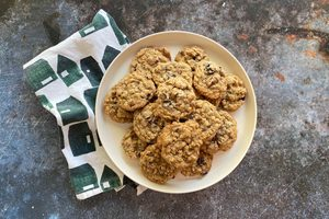 How to Make Oatmeal Cookies from Scratch