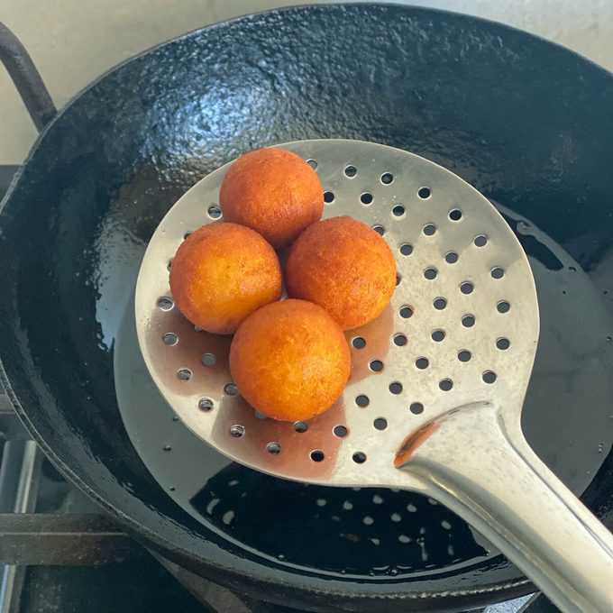 Fry the jamuns Cómo hacer gulab jamun