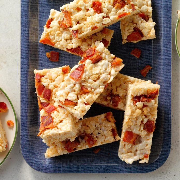 Maple Bacon Rice Krispie Treats Exps Tohas21 261264 B04 09 9b
