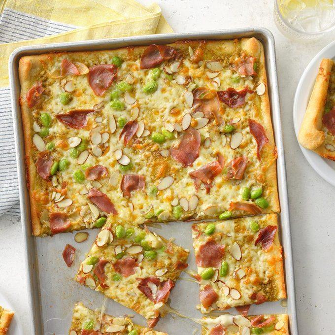 Prosciutto Pesto Pizza Exps Tohescodr21 63680 B03 24 3b 3