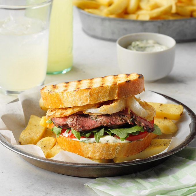 Steak Sandwiches With Crispy Onions Exps Rc21 257848 E04 20 3b