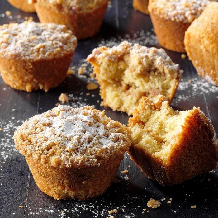 Pecan Coffee Cake Muffins Exps Tohca21 129364 E03 16 3b