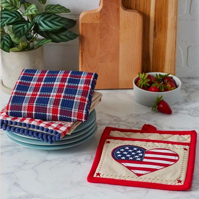 americana kitchen Americana Love Potholder Gift Set