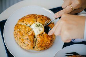How to Make Korean Cream Cheese Garlic Bread